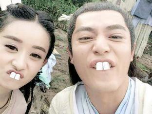 Ảnh hậu trường hài hước không được lên sóng của phim hot Hoa ngữ