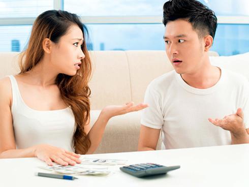 Điểm danh 4 anh chàng Hoàng đạo sẽ không giao hết tiền lương cho vợ