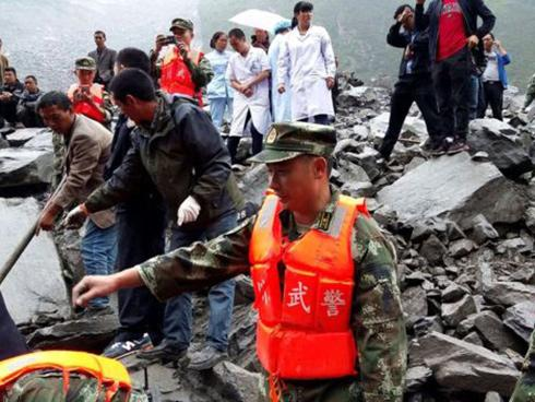 Lở đất ở Trung Quốc, chỉ tìm thấy 3 người sống sót