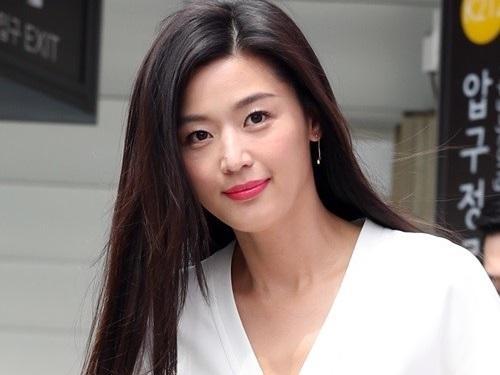 'Mợ chảnh' Jeon Ji Hyun xác nhận mang thai em bé thứ hai