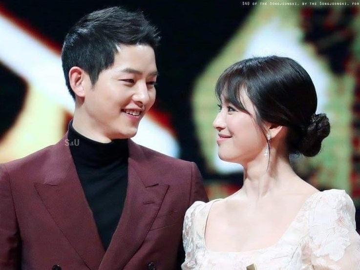 Song Joong Ki và Song Hye Kyo bị tung bằng chứng hẹn hò tại Bali