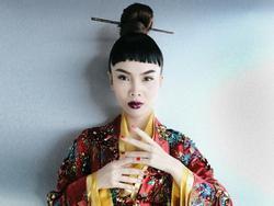 Phần trình diễn bị cắt trên truyền hình được Yến Trang tái hiện đầy ma mị