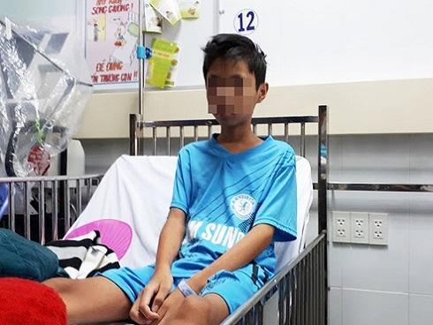 Hi hữu: Kim khâu bỏ quên trong chiếc gối đâm vào tim bé trai 13 tuổi