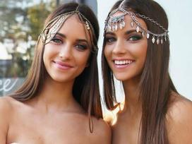 Ghen tỵ với vẻ đẹp nóng bỏng của cặp song sinh 9X đến từ Úc