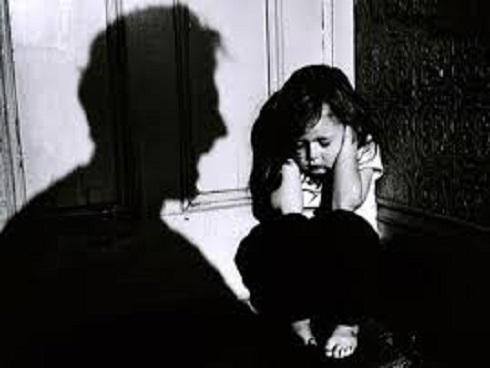 Hà Nội: Người cha thú tính, hiếp dâm con gái ruột suốt 3 năm trời