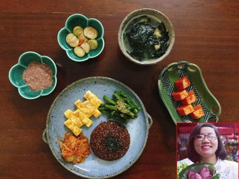 Thực đơn bữa cơm hàng ngày của cô nàng độc thân khiến cộng đồng mạng xuýt xoa vì quá đẹp quá ngon