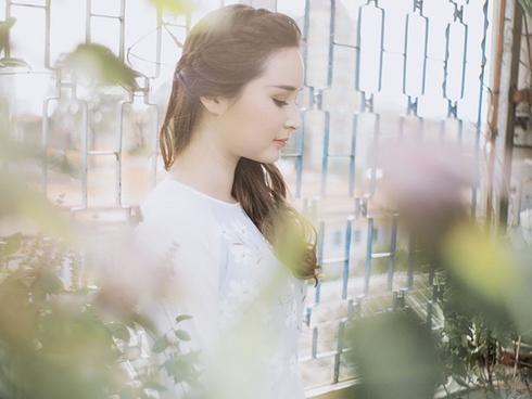 Cô gái Mỹ xinh đẹp cover 'Gửi anh xa nhớ' bằng tiếng Việt cực ngọt
