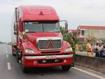 Tin nóng trong ngày 1/7: Bắt khẩn cấp tài xế xe container hất văng CSGT xuống đường