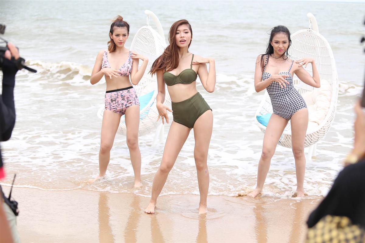 Clip cover 'Là con gái phải xinh' của Đồng Ánh Quỳnh hot hơn cả MV top 10 'The Face' -4
