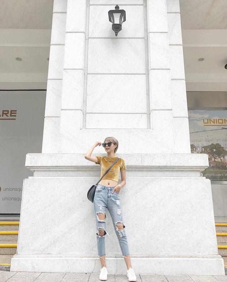 Street style sao Việt: Ngọc Trinh cưa sừng làm nghé