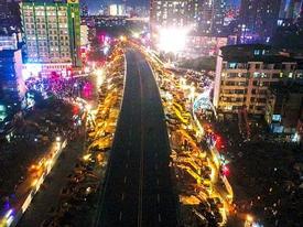 Cận cảnh phá 'thần tốc' cầu vượt ở Trung Quốc