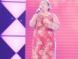 Cảm động câu chuyện mẹ 60 tuổi thi hát để chữa bệnh ung thư cho con