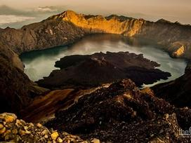 Điêu đứng trước núi lửa Rinjani đẹp như mơ