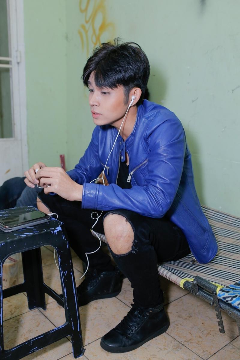 Chứng kiến antifan mắng mỏ con trai, bố Jun Phạm không khỏi chạnh lòng -12