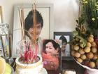 MC Quỳnh Hương xúc động trong ngày giỗ Wanbi Tuấn Anh