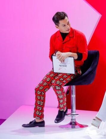 Vietnam's Next Top Model: Nam Trung biến thành tắc kè hoa