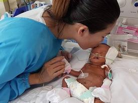 Hành trình giành lại con gái mới chào đời từ tay tử thần của nữ giám đốc