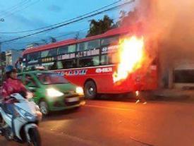 Nhà xe nói về tiếng nổ khi ôtô giường nằm bốc cháy
