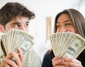 Nam sinh 'kể công' cho bạn gái 20 nghìn đồng và chuyện tiền bạc khi yêu