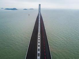 Cầu vượt biển 'bằng 60 tháp Eiffel' ở Trung Quốc