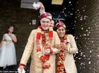 Tình lệch tuổi của cặp đồng tính nam và đám cưới đẹp như mơ sau lần định tự sát ở công viên