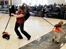 Ảnh động: Những pha siêu 'thốn' của các bà mẹ