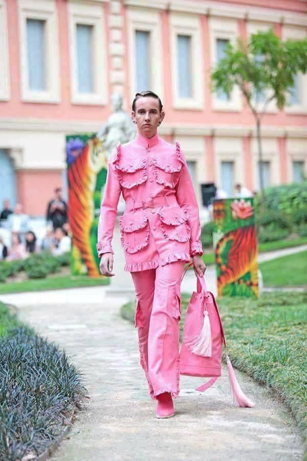 Thảm họa thời trang 2017 của đàn ông -1