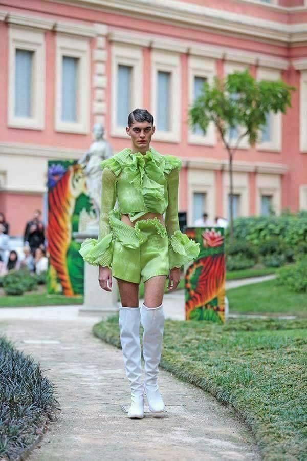 Thảm họa thời trang 2017 của đàn ông -7