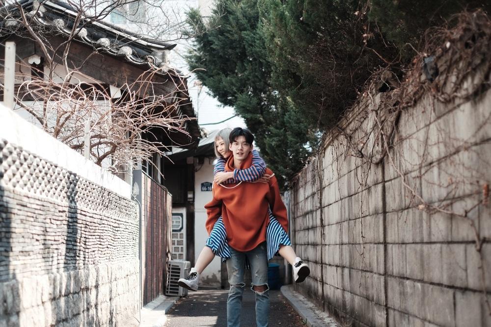 MV hôn anh của Min thành top trends sau khi ra mắt -3