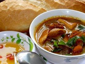 Phá lấu - món ăn đường phố 'ăn là nghiền' ở Sài Gòn