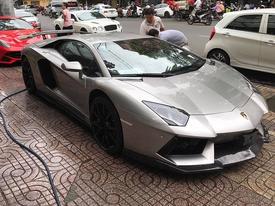 Dàn siêu xe rủ nhau 'tắm nắng' tại Sài thành