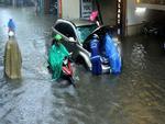 Tin Bão số 2: Nước đổ như thác muốn cuốn phăng tất cả ở Sa Pa