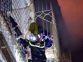 Vụ 2 mẹ con chết cháy ở phố Vọng: 'Chúng tôi thấy cánh tay chới với kêu cứu ở chuồng cọp nhưng bất lực'