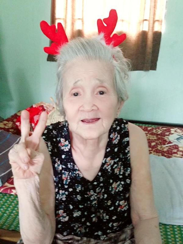 Bị ép ăn, bà ngoại chất nhất Việt Nam tái xuất: Cà chớn! Tui nói không ăn mà ép hoài!-2