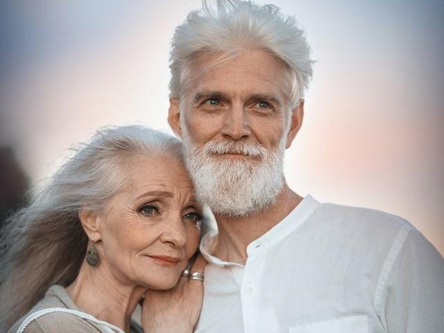Bộ ảnh 'Tình yêu vượt thời gian' của cặp vợ chồng già khiến ai cũng thầm mơ về một mối tình trọn đời như thế