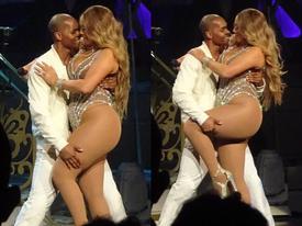 Đã béo lại thích mặc đồ gợi cảm, Mariah Carey khiến khán giả ngán ngẩm vì show diễn 'thảm họa'