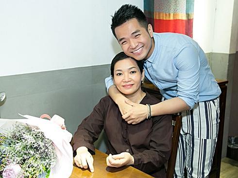 Sau 2 tiếng nói chuyện với mẹ, Phạm Hồng Phước viết ca khúc ai nghe cũng khóc