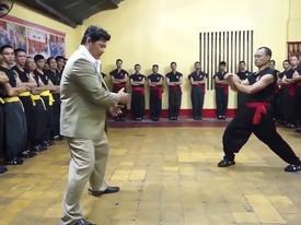 Lộ clip hậu trường võ công 'truyền điện' của Nam Huỳnh Đạo