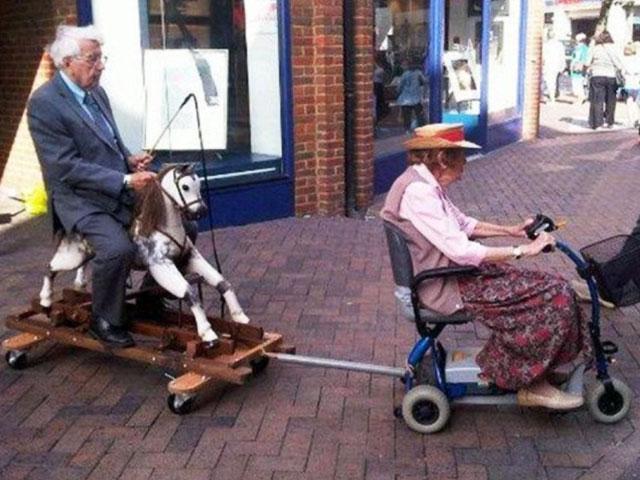 Truyện cười: Trí thông minh của đàn bà 93 tuổi