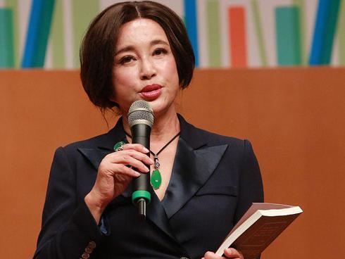 'Võ Tắc Thiên' Lưu Hiểu Khánh gây shock với gương mặt biến dạng, lệch vẹo vì dao kéo