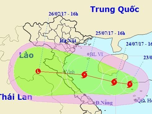 Bão số 4 tăng cấp, tiến sát đất liền Bắc Trung Bộ