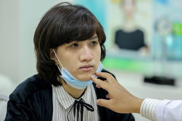 Next Top Model Hồng Xuân đi chỉnh mũi -5