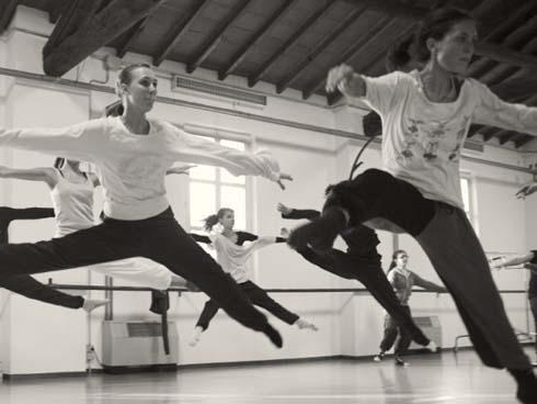 Tác dụng tuyệt vời của khiêu vũ đối với não bộ