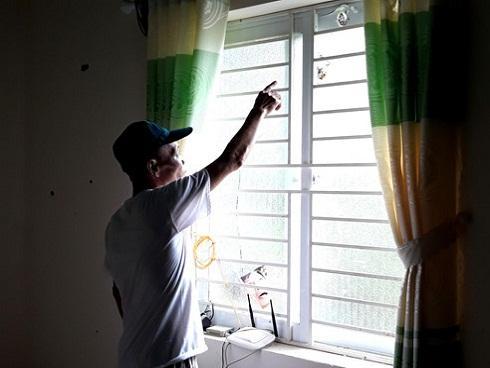 Nhiều nhà dân bị hư hỏng nặng sau tiếng nổ vang trời