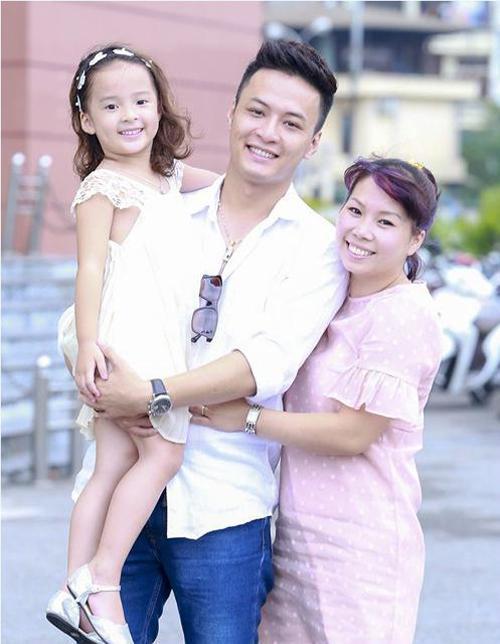 Vợ chồng Hồng Đăng cho 2 con gái học 'trường làng' -2