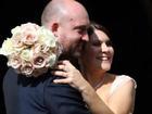 Vợ hôn mê 6 tuần bỗng quên mất chồng là ai, người chồng thấy thế đã có quyết định...