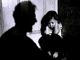 Ninh Bình: Nghi án bé gái 11 tuổi bị 'yêu râu xanh' nhiễm HIV xâm hại