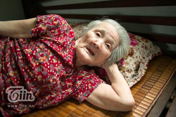 Cháu ngoại tiết lộ tình trạng sức khỏe của bà ngoại xì tin