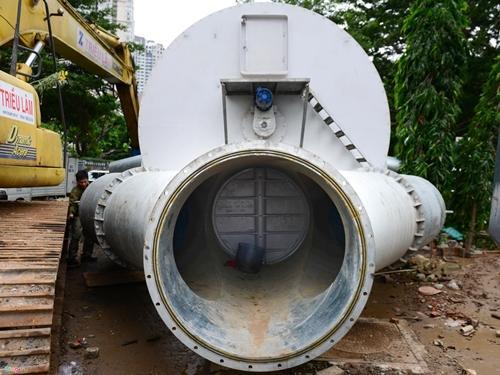 Siêu máy bơm chống ngập đường Nguyễn Hữu Cảnh ở Sài Gòn