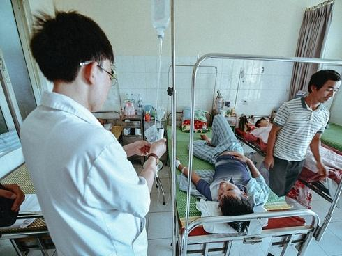 Bệnh nhân sốt xuất huyết chạy 4 viện vẫn không được vào điều trị